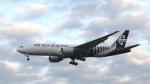 raichanさんが、成田国際空港で撮影したニュージーランド航空 777-219/ERの航空フォト(写真)