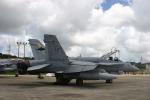 Mr.boneさんが、普天間飛行場で撮影したアメリカ海兵隊 F/A-18C Hornetの航空フォト(写真)