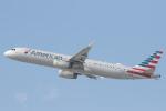 安芸あすかさんが、ロサンゼルス国際空港で撮影したアメリカン航空 A321-231の航空フォト(写真)