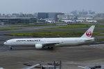 Mochi7D2さんが、羽田空港で撮影した日本航空 777-346の航空フォト(写真)