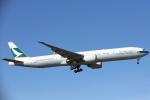安芸あすかさんが、ロンドン・ヒースロー空港で撮影したキャセイパシフィック航空 777-367/ERの航空フォト(写真)