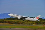 hidetsuguさんが、新千歳空港で撮影した日本航空 777-289の航空フォト(写真)