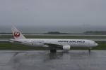 Mr.boneさんが、那覇空港で撮影した日本航空の航空フォト(写真)