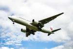 アングリー J バードさんが、福岡空港で撮影した日本航空 777-246の航空フォト(写真)