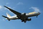 採れたてほしいもさんが、仁川国際空港で撮影したエアロ・ロジック 777-FZNの航空フォト(写真)