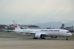 ゆなりあさんが、福岡空港で撮影した日本航空 A350-941XWBの航空フォト(写真)