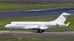 パンダさんが、成田国際空港で撮影したExecujet Australia Pty Ltd. Mascot NSW BD-700-1A10 Global 6000の航空フォト(飛行機 写真・画像)