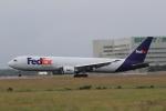 NH642さんが、台湾桃園国際空港で撮影したフェデックス・エクスプレス 767-3S2F/ERの航空フォト(写真)
