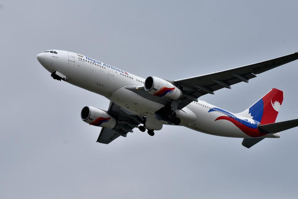 we love kixさんのネパール航空 Airbus A330-200 (9N-ALZ) 航空フォト