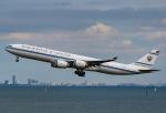 SKY TEAM B-6053さんが、羽田空港で撮影したクウェート政府 A340-542の航空フォト(写真)