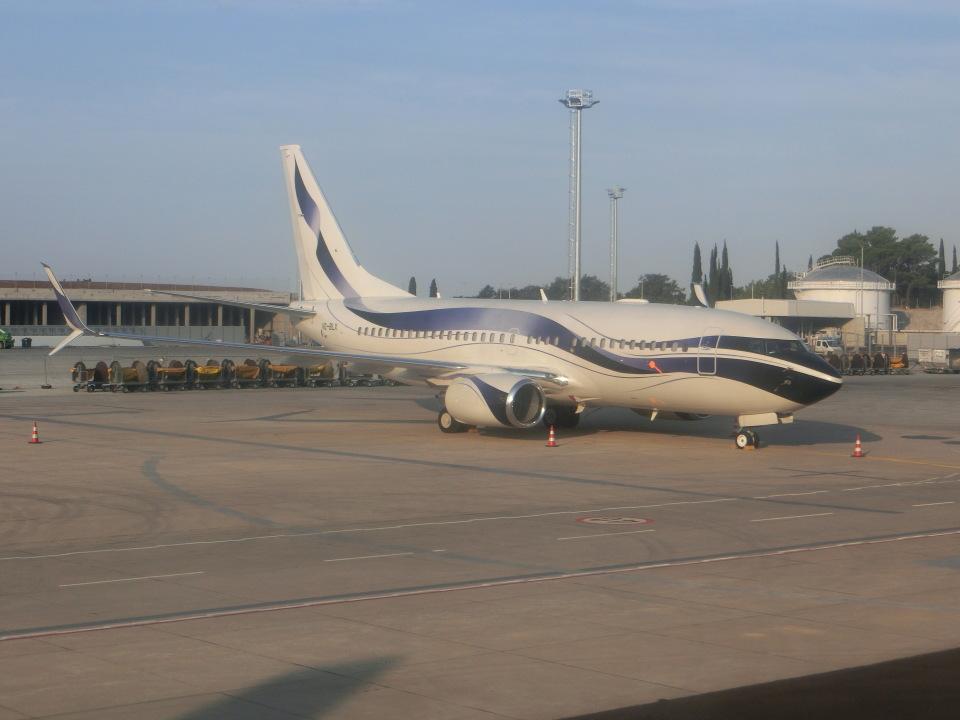 ヒロリンさんのGama アビエーション Boeing 737-700 (VQ-BLX) 航空フォト