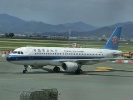 ヒロリンさんが、金海国際空港で撮影した中国南方航空 A320-214の航空フォト(飛行機 写真・画像)