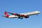 安芸あすかさんが、ロンドン・ヒースロー空港で撮影したヴァージン・アトランティック航空 A340-642の航空フォト(写真)
