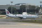 matsuさんが、シンガポール・チャンギ国際空港で撮影した中国東方航空 737-89Pの航空フォト(飛行機 写真・画像)