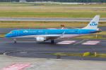PASSENGERさんが、デュッセルドルフ国際空港で撮影したKLMシティホッパー ERJ-190-100(ERJ-190STD)の航空フォト(写真)