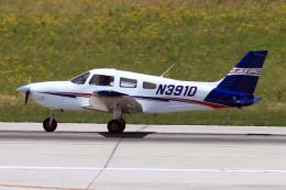 A-Chanさんが、ローリー・ダーラム国際空港で撮影したアメリカ企業所有 PA-28-181 Cherokee Archer IIの航空フォト(飛行機 写真・画像)