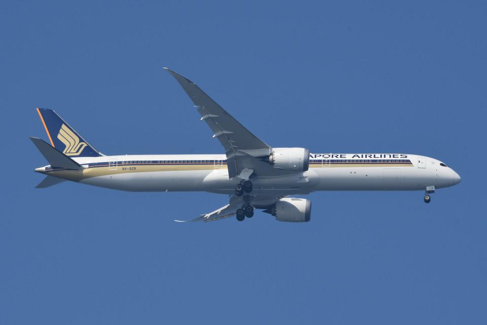 kuro2059さんのシンガポール航空 Boeing 787-10 (9V-SCK) 航空フォト
