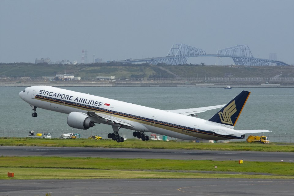 Mochi7D2さんのシンガポール航空 Boeing 777-300 (9V-SWN) 航空フォト