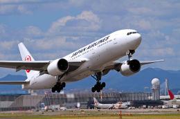 キットカットさんが、伊丹空港で撮影した日本航空 777-289の航空フォト(写真)