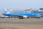 NH642さんが、福岡空港で撮影したKLMオランダ航空 777-206/ERの航空フォト(飛行機 写真・画像)