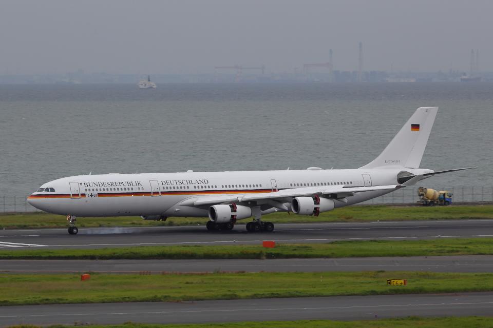 meron panさんのドイツ空軍 Airbus A340-300 (16-01) 航空フォト