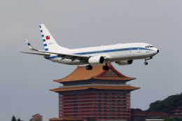 HLeeさんが、台北松山空港で撮影した中華民国空軍 737-8ARの航空フォト(飛行機 写真・画像)