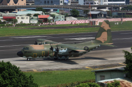 HLeeさんが、台北松山空港で撮影した中華民国空軍 C-130H Herculesの航空フォト(飛行機 写真・画像)