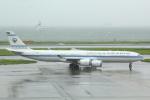 幹ポタさんが、羽田空港で撮影したクウェート政府 A340-542の航空フォト(写真)