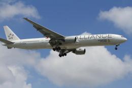 NH642さんが、シンガポール・チャンギ国際空港で撮影したシンガポール航空 777-312の航空フォト(飛行機 写真・画像)