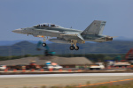 ペア ドゥさんが、千歳基地で撮影したオーストラリア空軍 F/A-18B Hornetの航空フォト(写真)