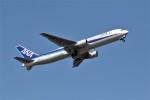 もぐ3さんが、小松空港で撮影した全日空 767-381/ERの航空フォト(飛行機 写真・画像)