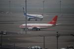 K・Tさんが、羽田空港で撮影したペルー空軍 737-528の航空フォト(写真)