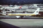 tassさんが、ロンドン・ガトウィック空港で撮影したモナーク・エアラインズ A320-212の航空フォト(飛行機 写真・画像)
