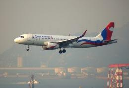 KAZKAZさんが、香港国際空港で撮影したネパール航空 A320-233の航空フォト(飛行機 写真・画像)