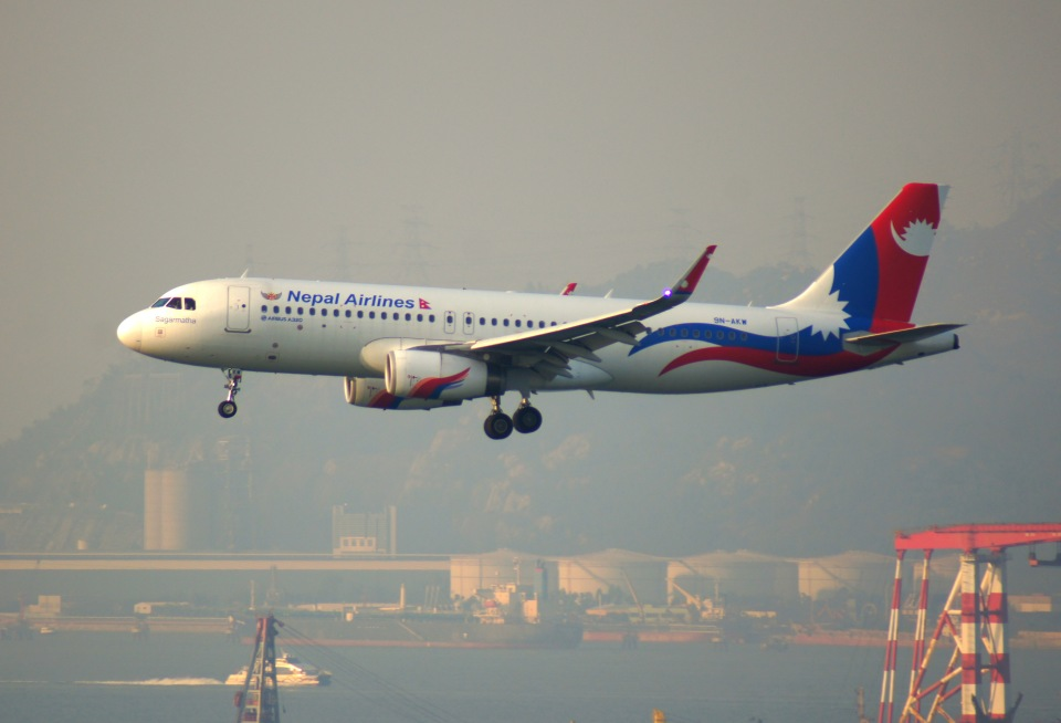 KAZKAZさんのネパール航空 Airbus A320 (9N-AKW) 航空フォト