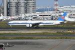 シュウさんが、羽田空港で撮影した中国南方航空 777-31B/ERの航空フォト(写真)