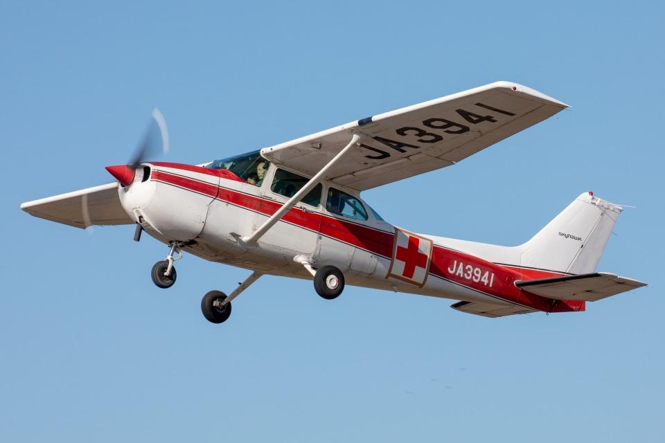 まんぼ しりうすさんの富士航空 Cessna 172 (JA3941) 航空フォト