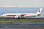 Izumixさんが、羽田空港で撮影した航空自衛隊 777-3SB/ERの航空フォト(飛行機 写真・画像)