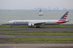 OMAさんが、羽田空港で撮影したアメリカン航空 777-323/ERの航空フォト(写真)