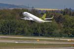 Airliners Freakさんが、チューリッヒ空港で撮影したエア・バルティック 737-33Aの航空フォト(飛行機 写真・画像)