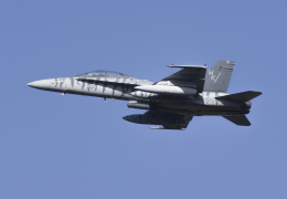 NOTE00さんが、三沢飛行場で撮影したアメリカ海兵隊 F/A-18D Hornetの航空フォト(飛行機 写真・画像)