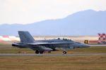 kazuchiyanさんが、岩国空港で撮影したアメリカ海兵隊 F/A-18D Hornetの航空フォト(写真)