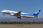 Ariesさんが、函館空港で撮影した全日空 777-281の航空フォト(写真)