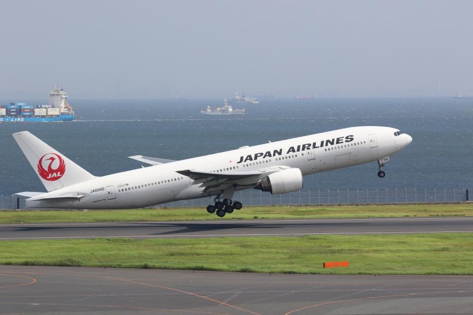 OS52さんの日本航空 Boeing 777-200 (JA008D) 航空フォト