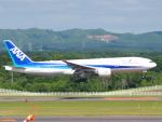 むらさめさんが、新千歳空港で撮影した全日空 777-281の航空フォト(写真)
