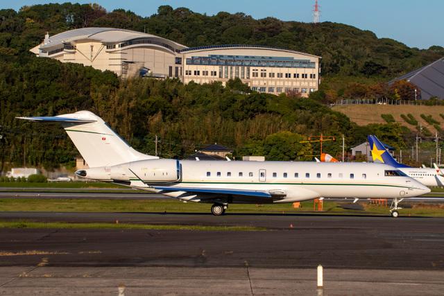 SGHGさんが、福岡空港で撮影したスイス企業所有 BD-700-1A10 Global 6000の航空フォト(飛行機 写真・画像)