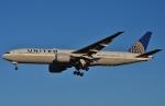 鉄バスさんが、成田国際空港で撮影したユナイテッド航空 777-222/ERの航空フォト(写真)