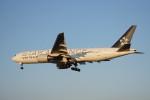 senbaさんが、成田国際空港で撮影したユナイテッド航空 777-222/ERの航空フォト(写真)