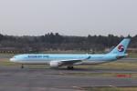 KAZFLYERさんが、成田国際空港で撮影した大韓航空 A330-322の航空フォト(写真)