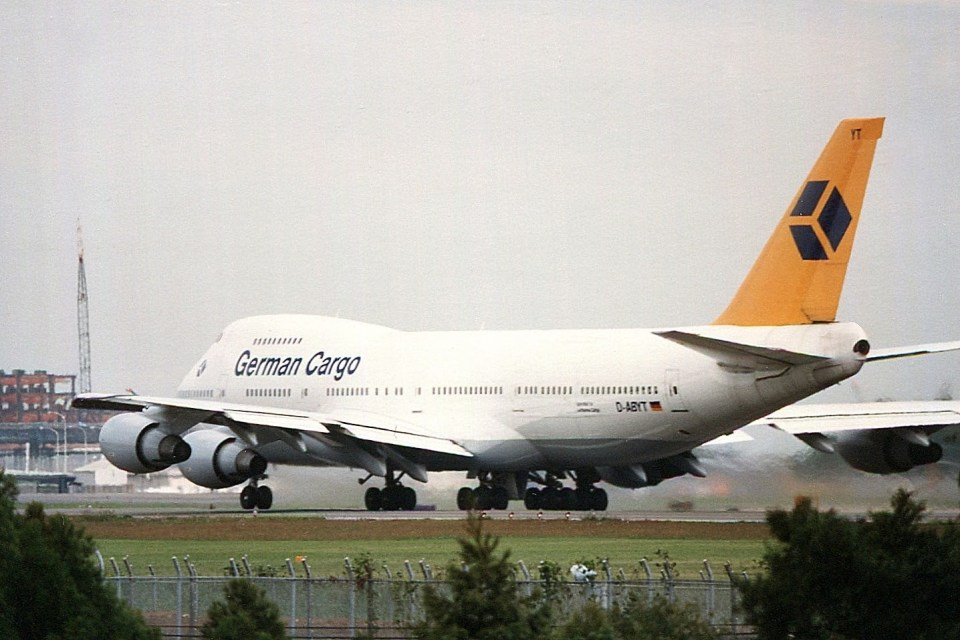 アオアシシギさんのジャーマン・カーゴ Boeing 747-200 (D-ABYT) 航空フォト